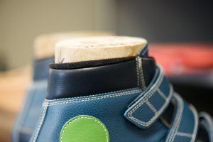 detail van een orthopedische schoen